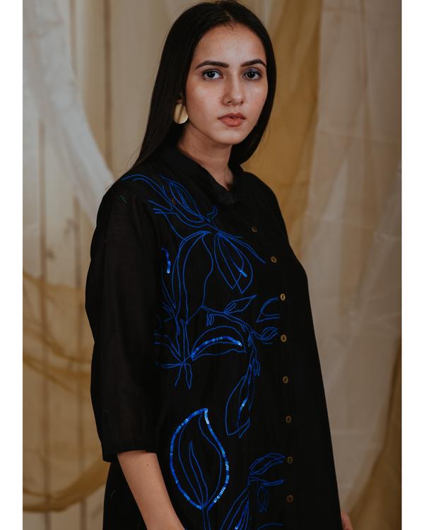 Black chanderi moonlit embroidered tunic 1