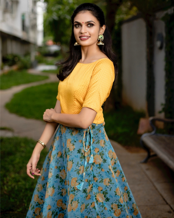 Yellow and blue floral printed organza skirt with banarasi crop top-set of two 3