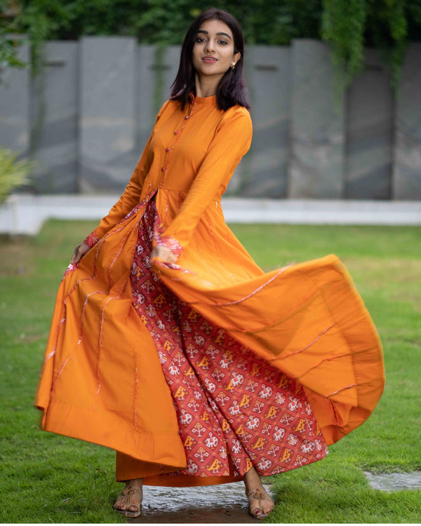 Mustard cotton cape with patola pants - set of two 2