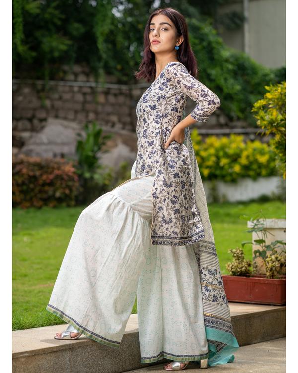 Block printed chanderi kurta with gharara pants and dupatta - set of three 2