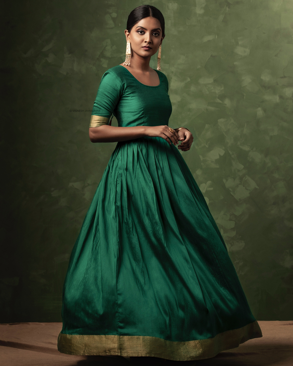 Emerald green and gold zari dress with dupatta-set of two 3