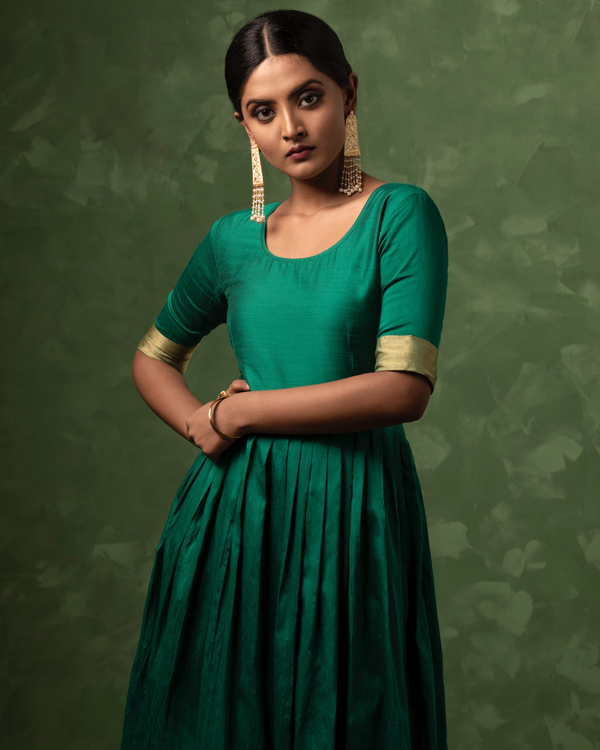 Emerald green and gold zari dress with dupatta-set of two 1
