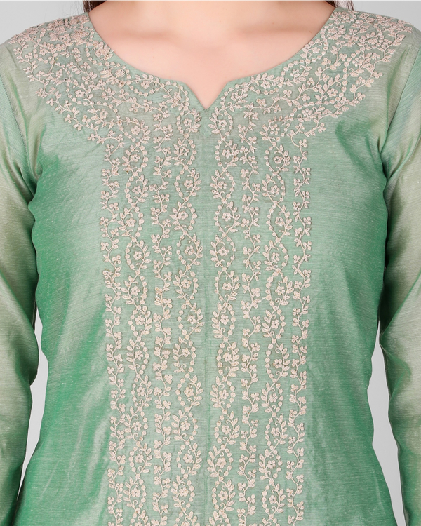 Green chanderi embroidered suit set - set of three 1