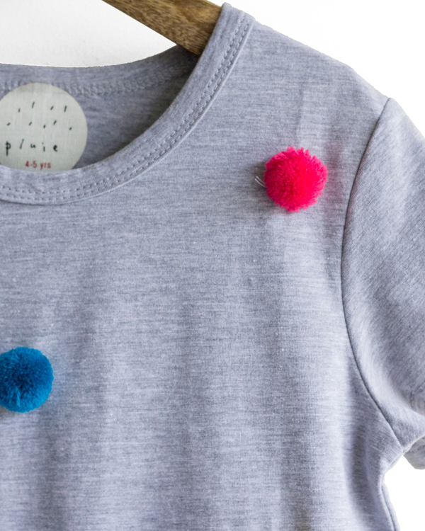Pluie grey & rainbow happy pom pom tee 2