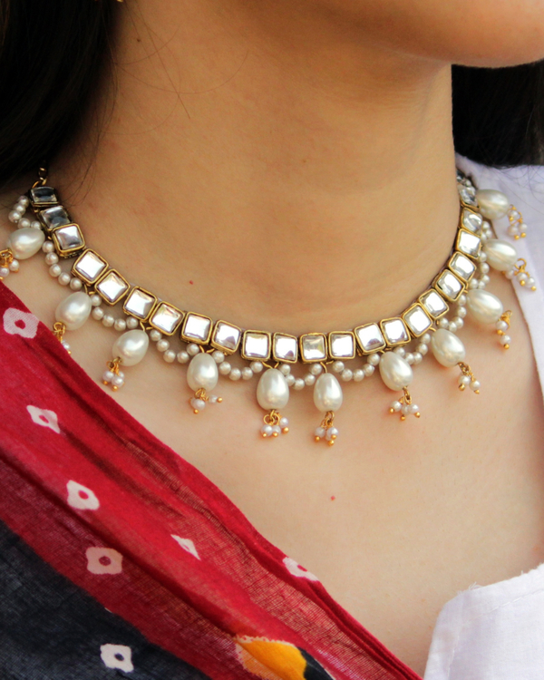 Square kundan oval drop pearl necklace 1