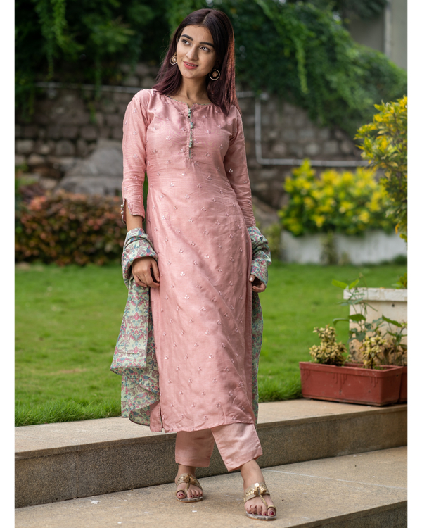 Pink embroidered kurta and pant with bird printed dupatta - set of three 4