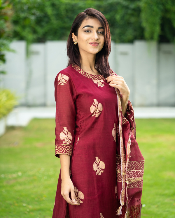 Maroon Chanderi Cotton Suit Set with Gold Printed Motifs - Set of Three 2
