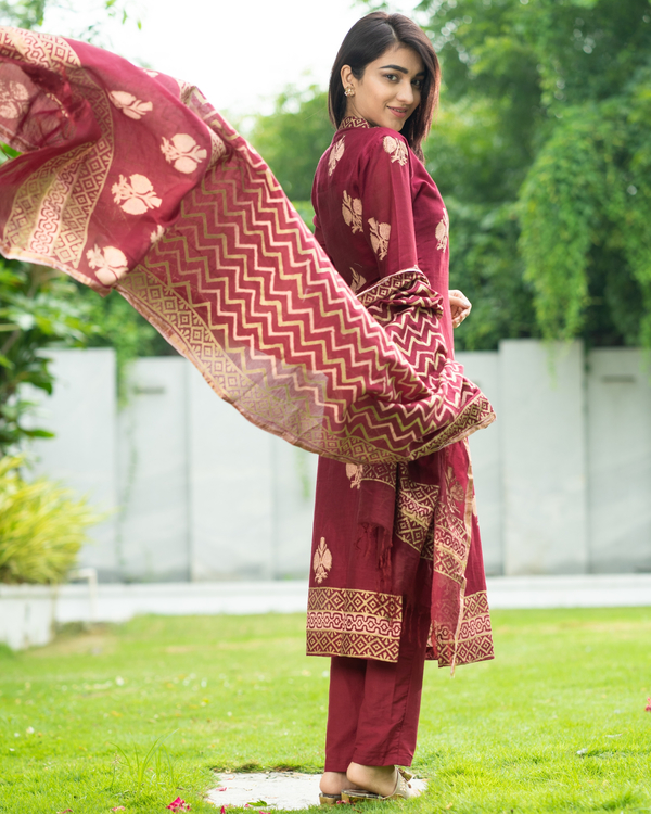 Maroon Chanderi Cotton Suit Set with Gold Printed Motifs - Set of Three 1