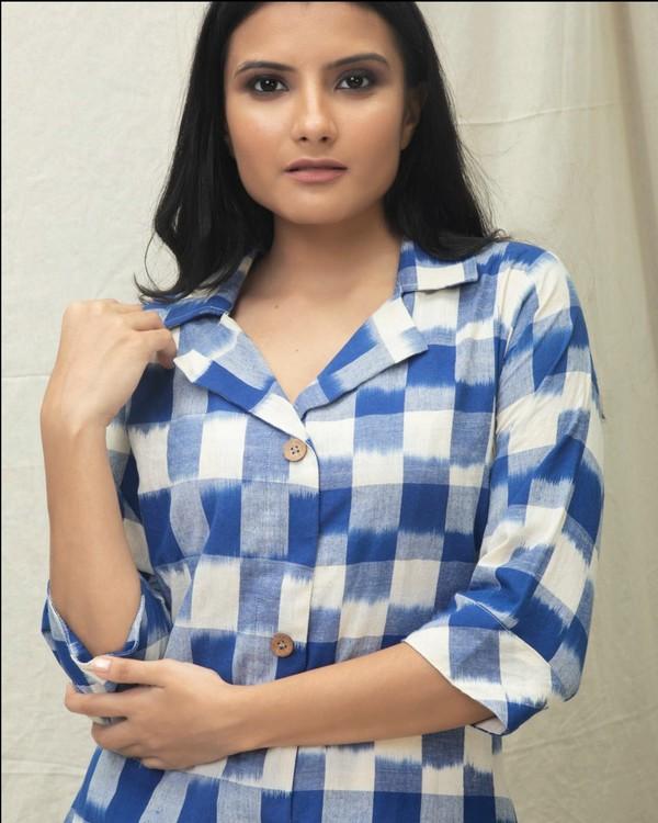 Blue checkered Ikat printed kurta 1