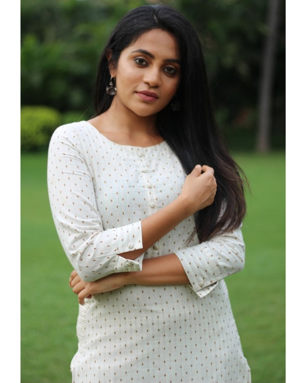 White dotted kurta with pant - set of two 2