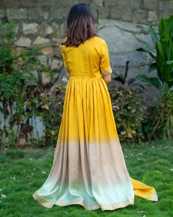 Ombre gathered dress with gota lace detailing and dupatta  - set of two 4