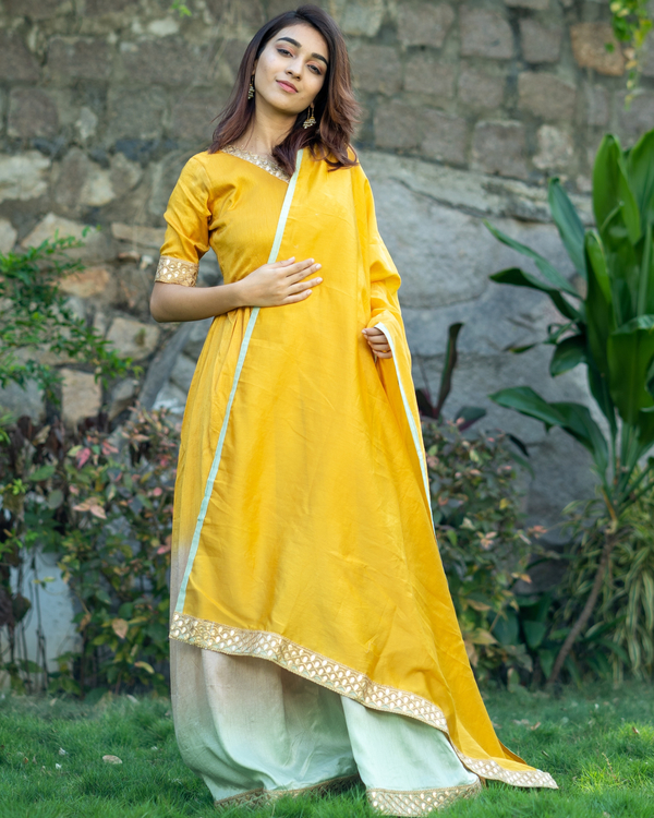 Ombre gathered dress with gota lace detailing and dupatta  - set of two 3