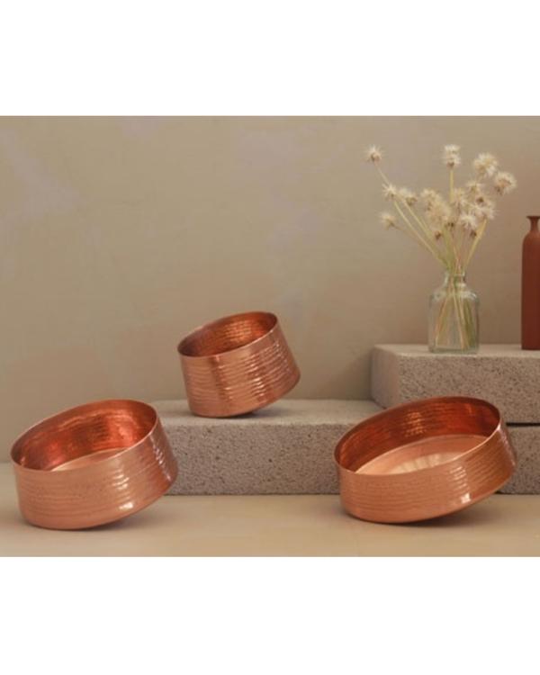 Whirling copper tea light holder - medium 1