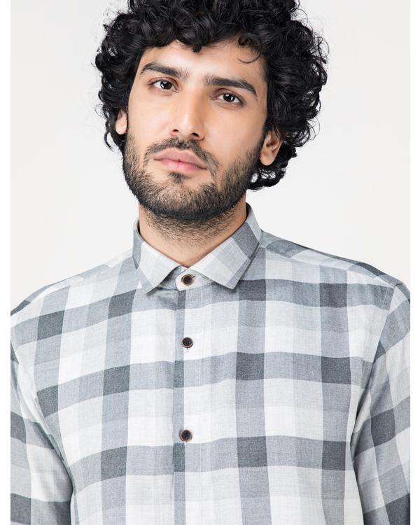 Grey and white gingham checkered shirt 1