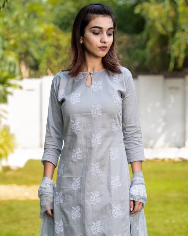Light greyish blue cross stitch embroidered kurta set with dupatta- set of three 1