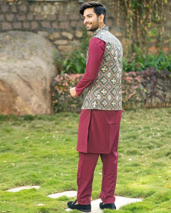 Maroon kurta and pyjama with patola printed nehru jacket- set of three 3