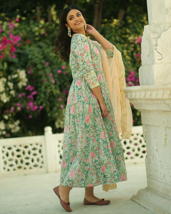Pastel green and pink floral printed gota kurta and pants with chiffon dupatta- set of three 2
