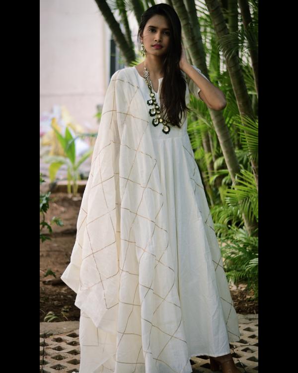 White diamond cage gota dress and dupatta set- set of two 2