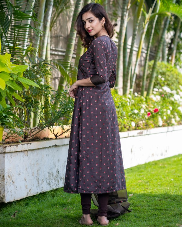 Chocolate brown embroidered kurta with organza dupatta - set of two 2