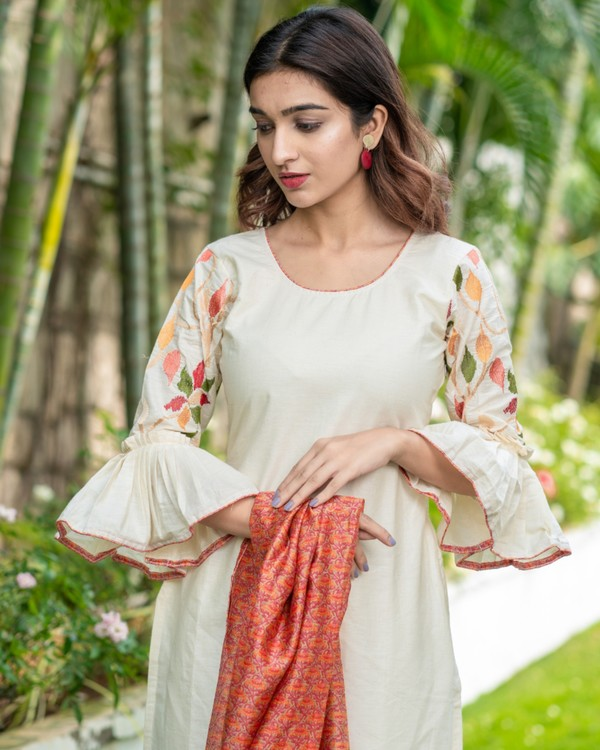 Off white floral embroidered kurta with printed chanderi dupatta set- set of two 1