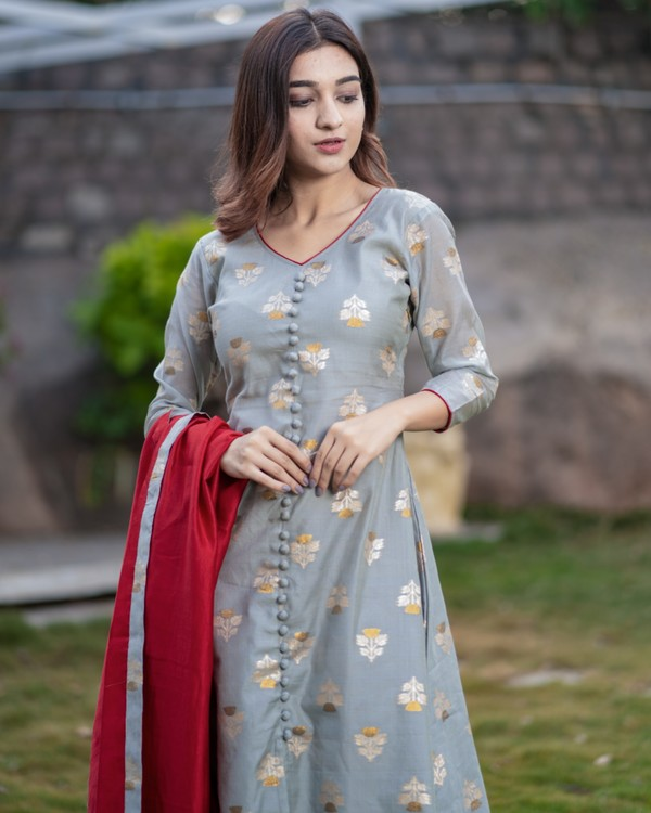 Grey front slit brocade kurta with red palazzo and dupatta - set of three 1