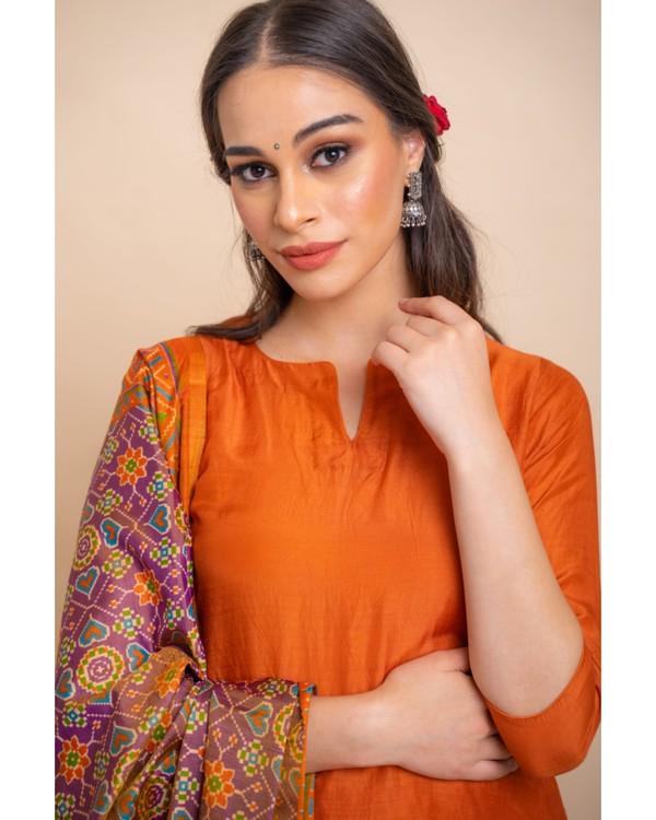 Gold orange straight kurta and pants with dupatta set- set of three 1