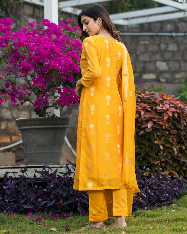 Amber yellow banarasi kurta and pants with dupatta - set of three 3