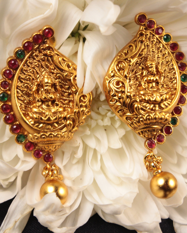 Lakshmi temple motif necklace and earrings set - set of two 3