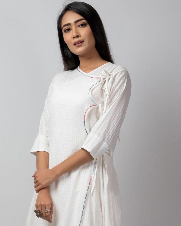 White checkered angrakha kurta with embroidery 1