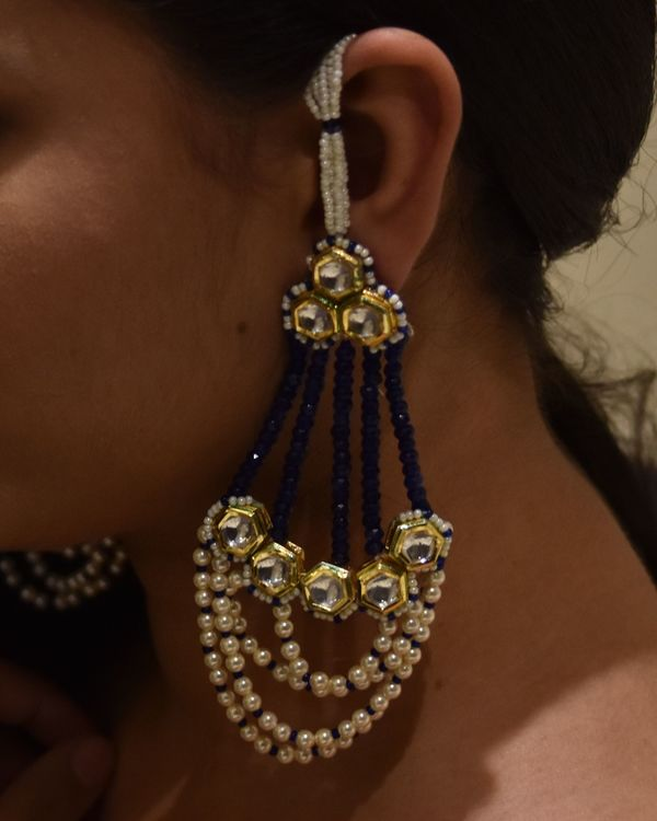 Sapphire blue stones and pearls passa earrings 1