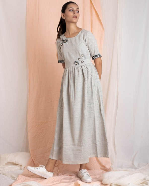 Light grey hand-woven gathered dress with applique work 2