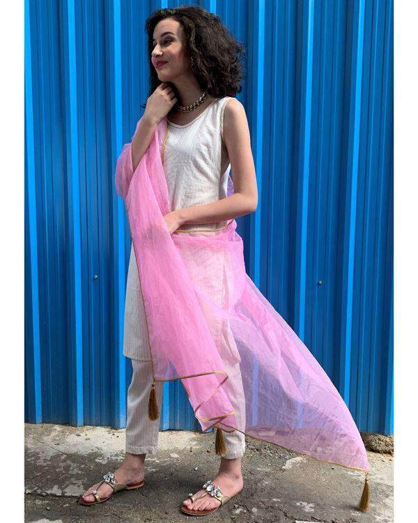 Ecru striped kurta and pants with baby pink dupatta- Set Of Three 2
