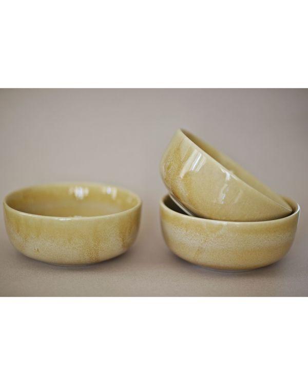 Spiced beige serving bowl 1