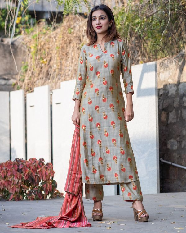 Khaki floral boota kurta and pants with red striped jacket- Set Of Three 3