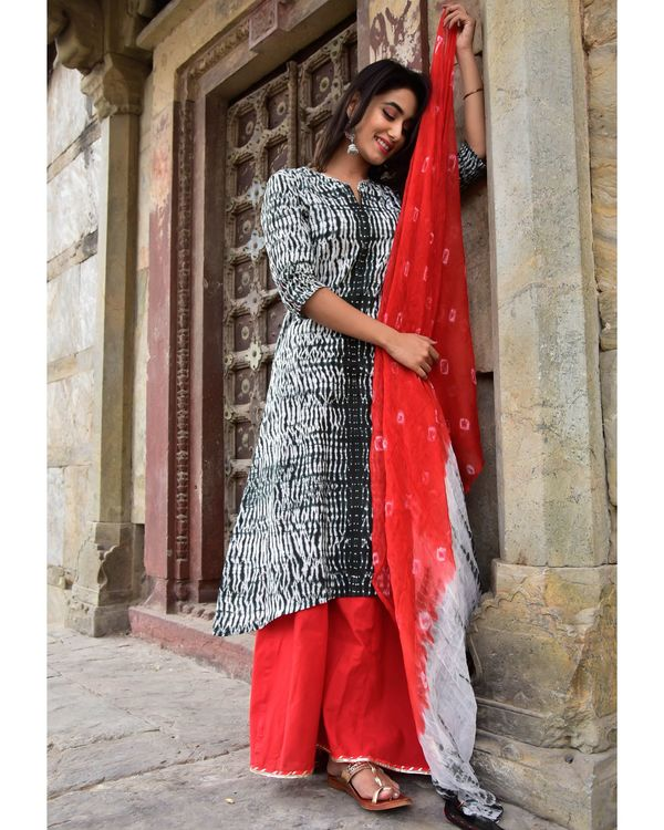 Black and red shibori kurta and palazzo with dupatta- Set Of Three 2
