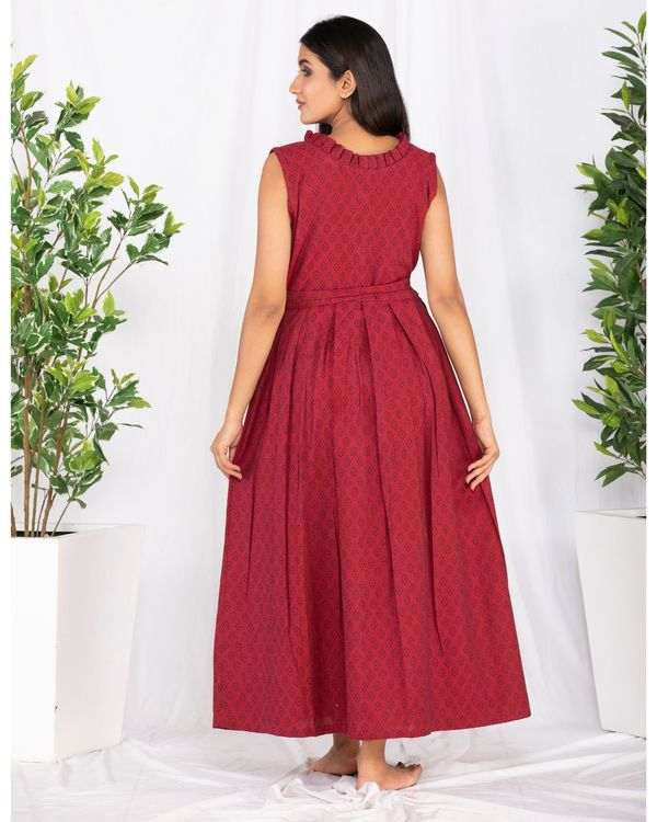 Red buttoned tie-up maxi dress 3
