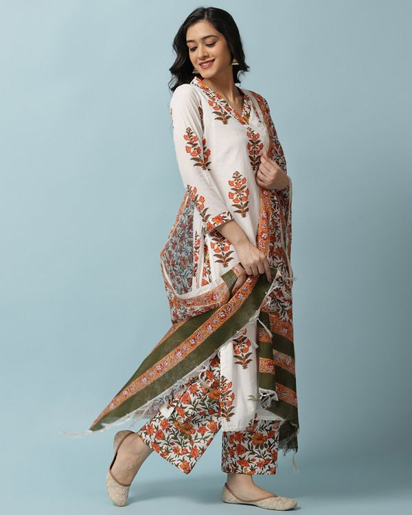 White and orange floral kurta and palazzo with dupatta- Set Of Three 2