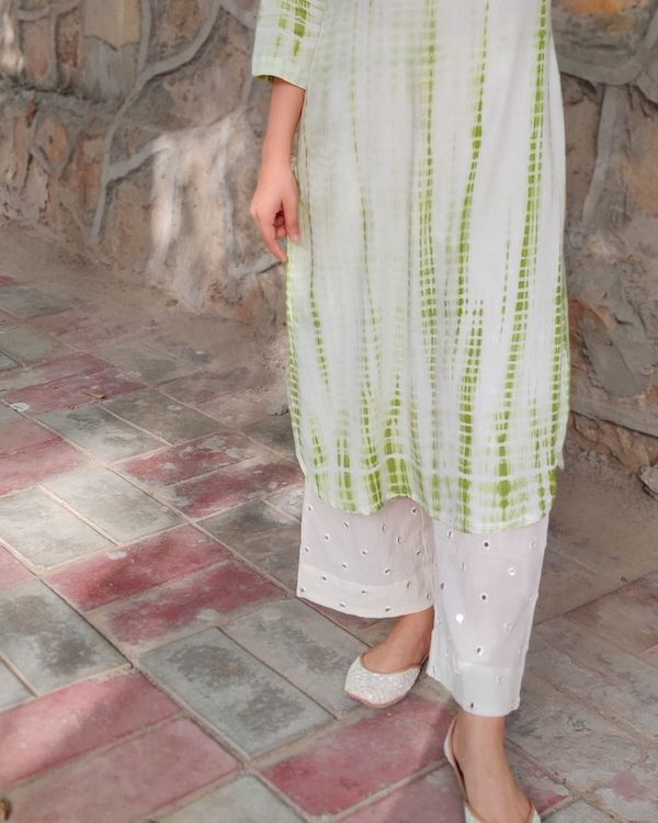 Green and off white tie and dye kurta and palazzo- Set Of Two 3