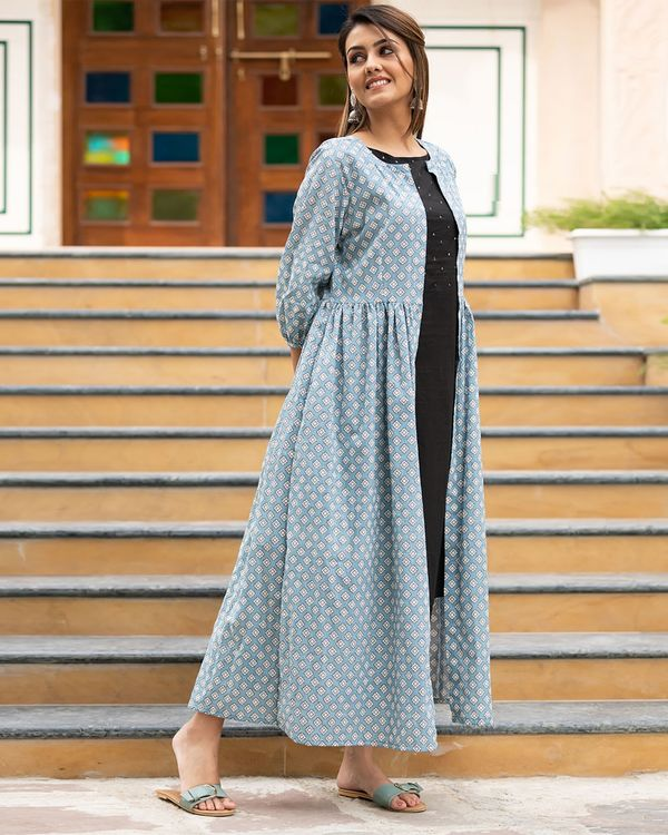 Light blue printed jacket with sequined kurta and pants- Set Of Three 2