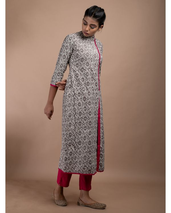 Grey and pink floral pom pom kurta with straight pants - Set Of Two 2