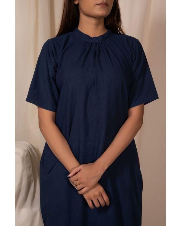 Indigo closed neck kurta with pockets 1