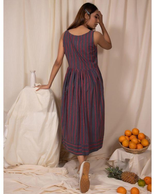 Grey striped dress with gathers 3