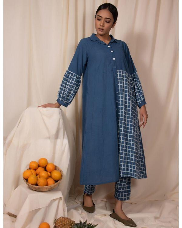 Blue checkered panel kurta and pants- Set Of Two 2