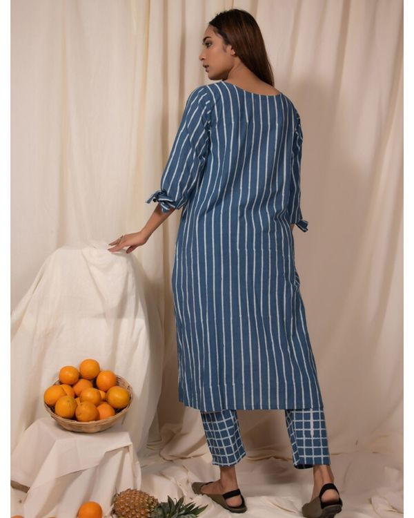 Blue striped tie-up sleeve kurta and pants- Set Of Two 2