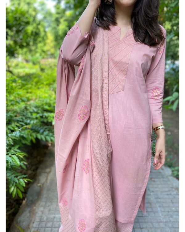 Pink block printed kurta and pants with dupatta- Set Of Three 1