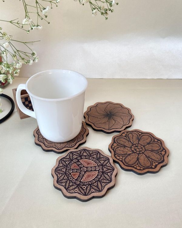 Mixed motif wooden coasters with stand - Set Of Five 1