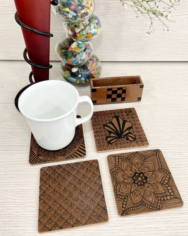 Black blossom wooden coasters with stand - Set Of Five 1