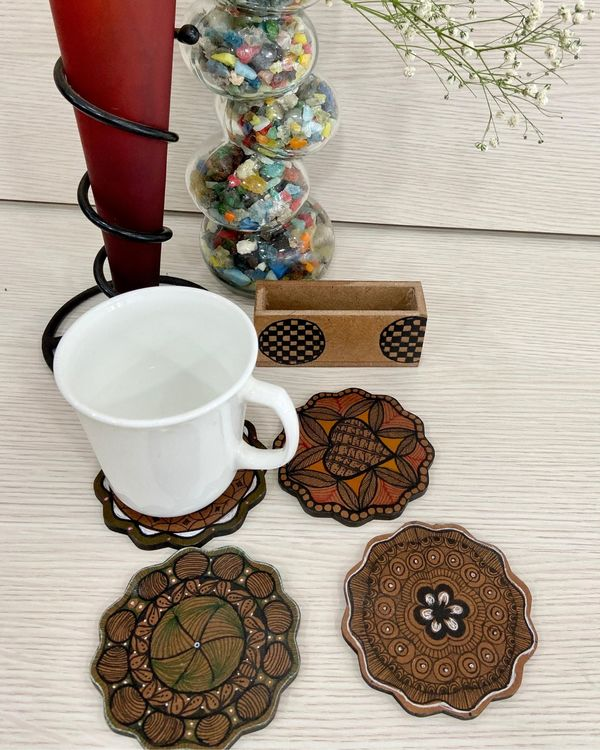 White floral wooden coasters with stand - Set Of Five 2