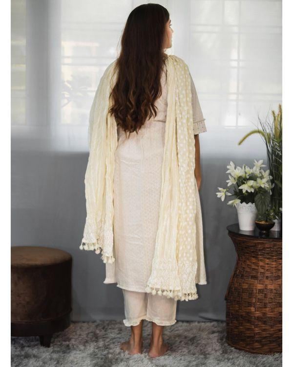 Off white gathered yoke kurta and pants with dupatta - Set Of Three 3