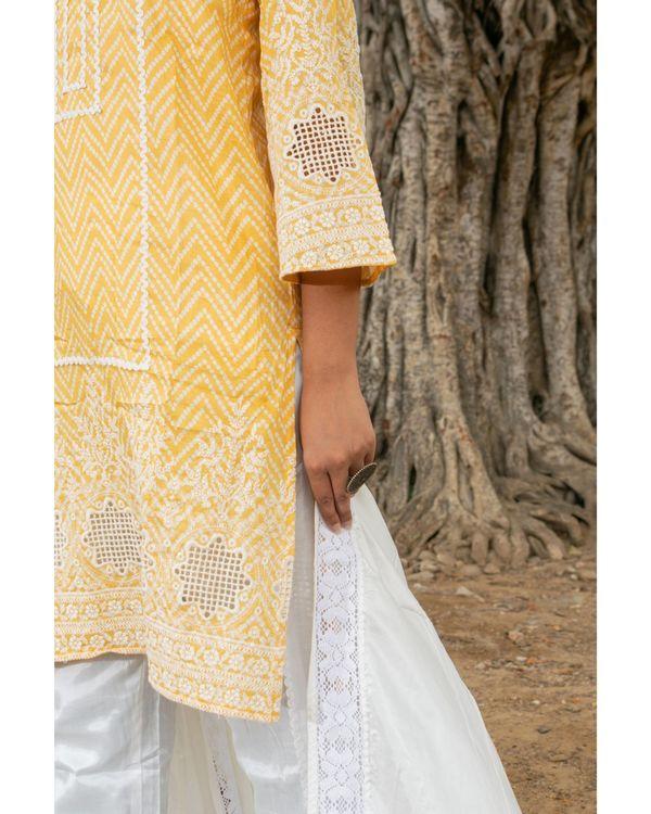 Yellow and white zig - zag kurta and pants with dupatta - set of three 3